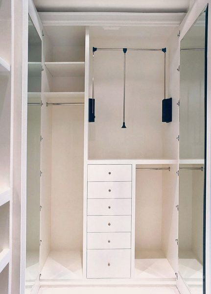 upper-brook-stree- walk-through-wardrobe