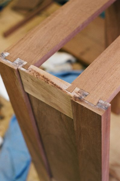 Dovetails-in-cabinet-construction