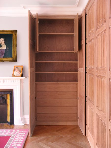 Oak-linenfold-wardrobe-drawers-and-shelves