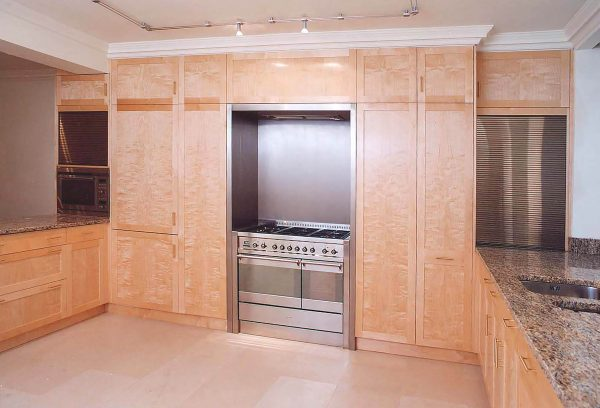bespoke-hand-made-kitchen-in-birch-wood-sam-brown-furniture